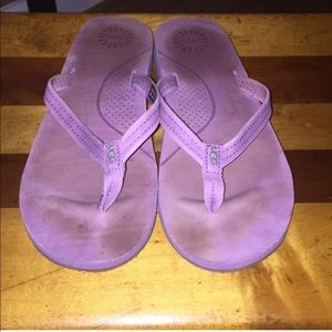 Like new purple Kayla UGG flip flop